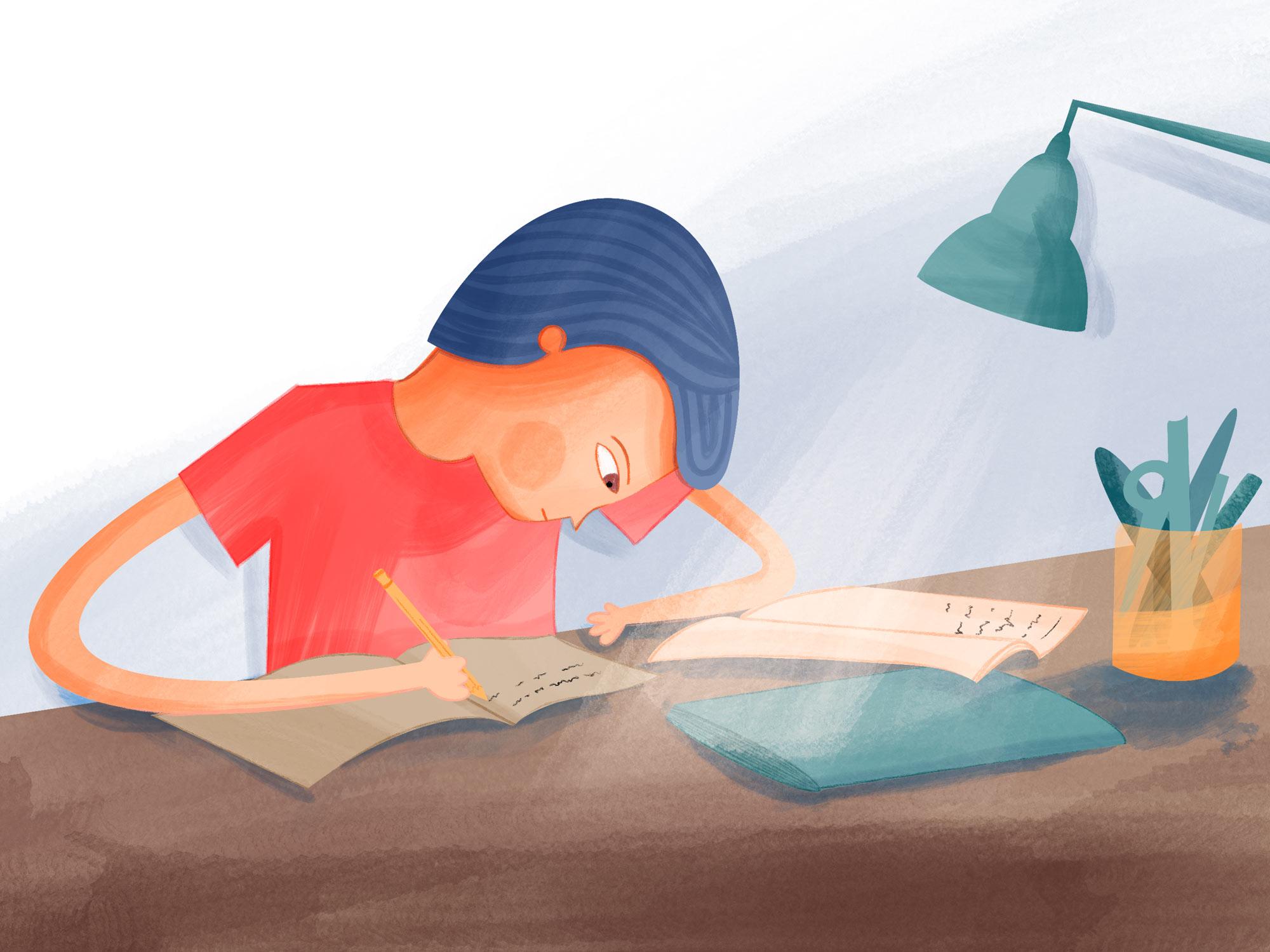 Ein Kind sitzt am Schreibtisch und macht konzentriert seine Hausaufgaben