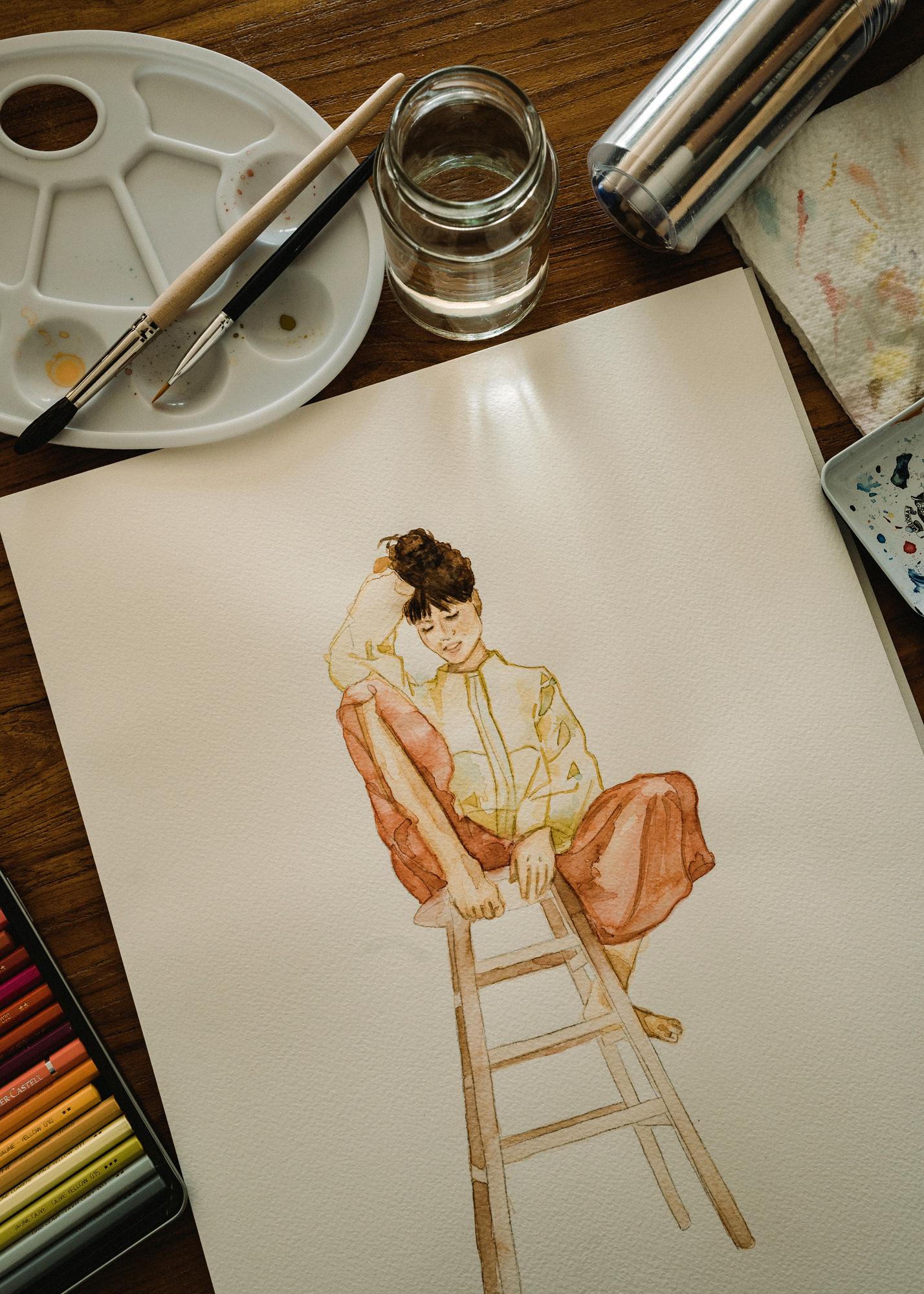 Aquarell-Bild einer Frau, die auf einem Hocker sitzt.
