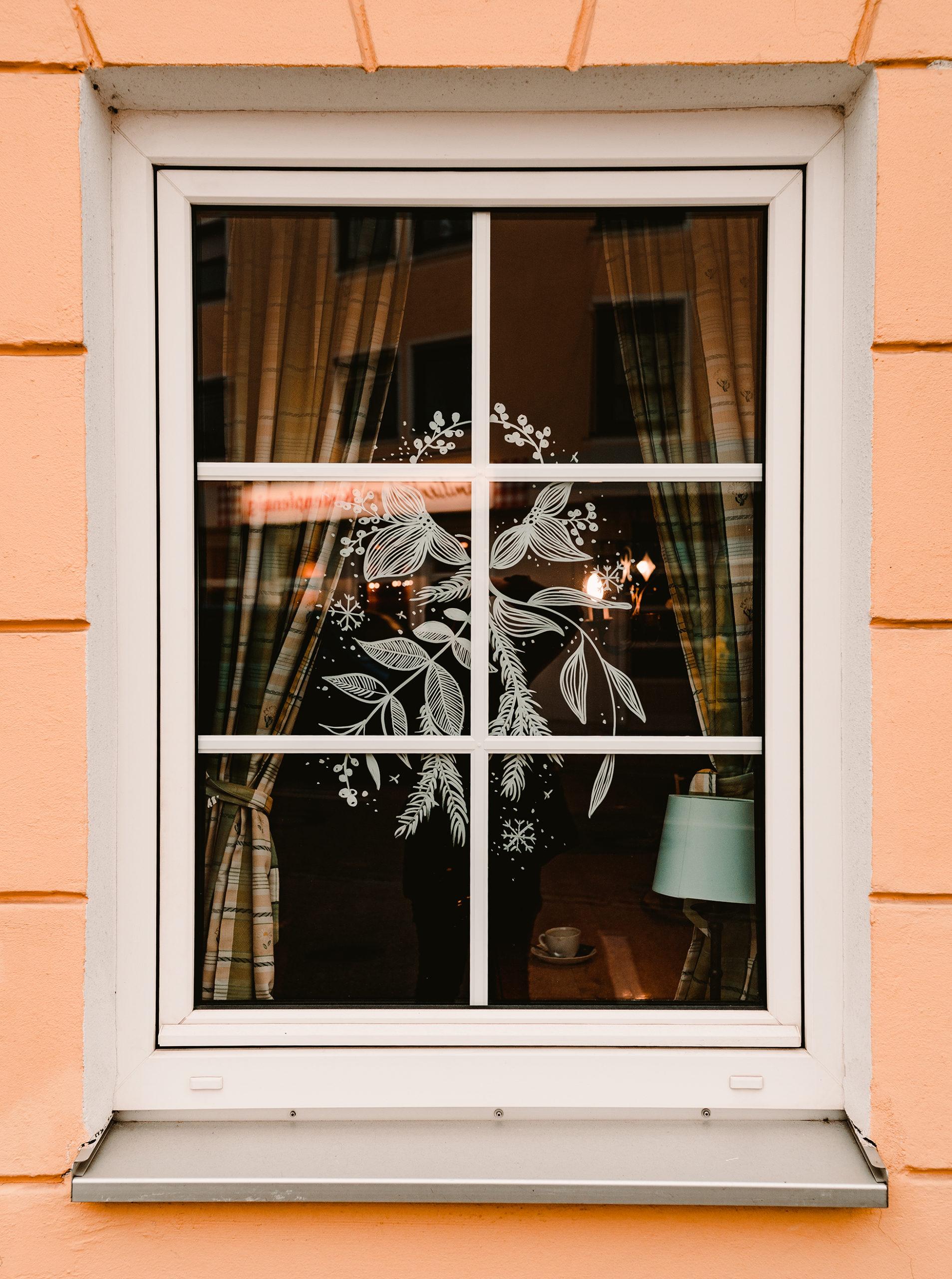 Fensterbemalung des Gasthofs Neuwirt in Garching